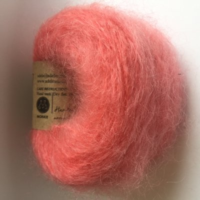 Adèles brushed mohair poppy