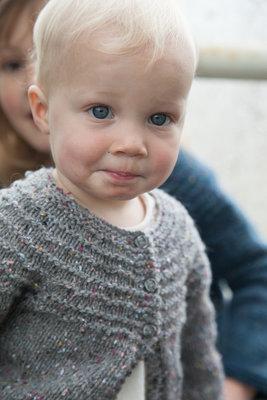 truitje in grijs woolstok tot 18 maanden