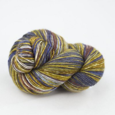 lazy lion sock yarn 002