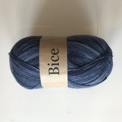 BICE kousenwol met verloop marine blauw