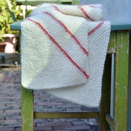 Breipakket sjaal met schuine strepen