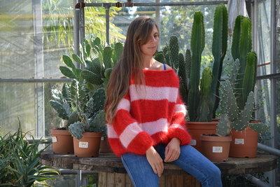 Breipakketje trui met strepen roos/rood