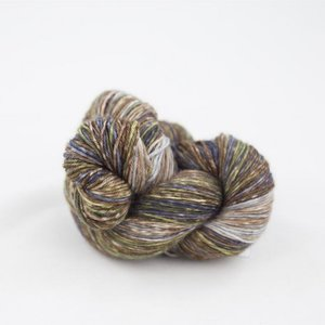 lazy lion sock yarn 010