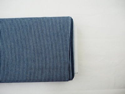 Donker blauw striped denim