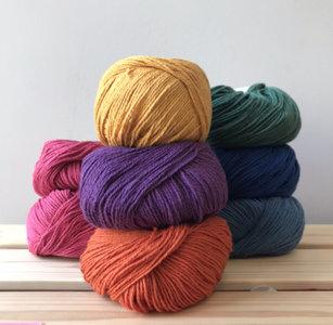 Haakpakket grote jute draagtas in vrolijke kleuren #2