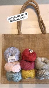 Haakpakket 5 in pastelkleuren grote jute draagtas (zie foto instagram)